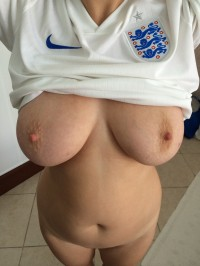 I'm rooting for England, can you? – Sexy Bitches Gifs