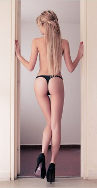 Long blonde babe and her sexy back   Hot and minx babes