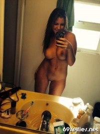 69 SELFIES !!! – BIG BOOBS curvy college beauty bathroom