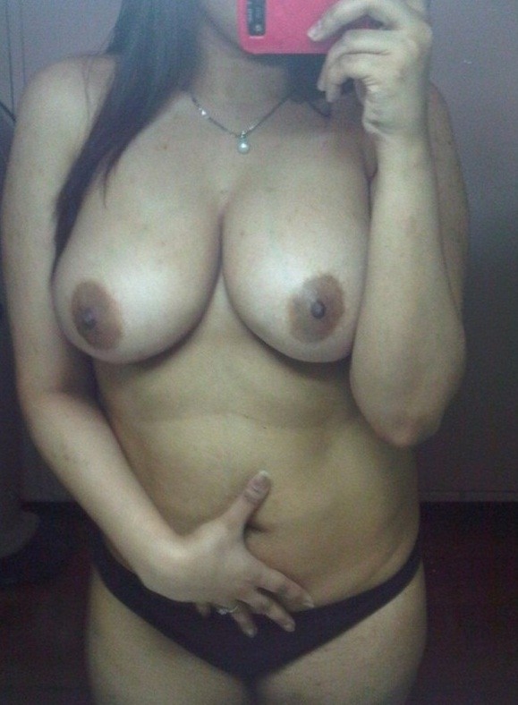 Busty Indian Wife Selfie Taking Her Boobs And Big Navel Selfie