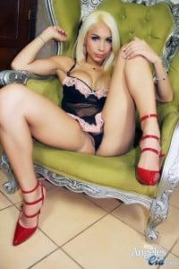 Angeles Cid in red heels!
