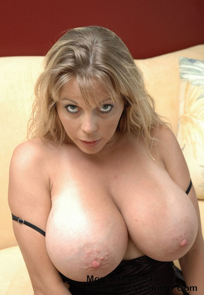 perfect boobs milf mom – more photos of her pussycamhd.com