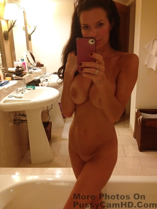 sexy teen nude selfies – more photos of her on pussycamhd.com