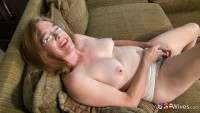 USAWIVEs Blonde Milf with big tits posing