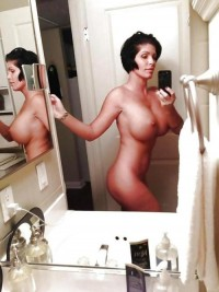 Sexy busty mom make bathroom nude selfie