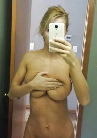 Big Tits MILF make sexy nude selfie