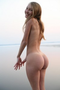 Cute blonde with amazingly hot ass