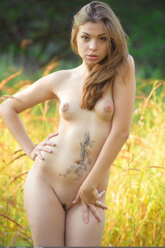 Nude tattoo girl