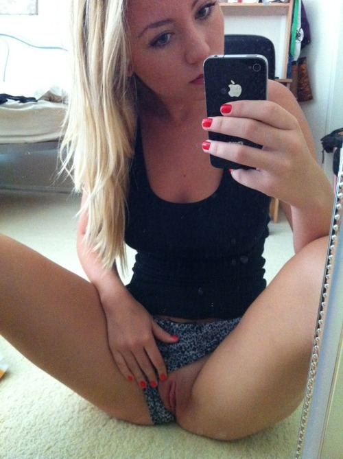 Sexy Hot Teen Pussy Self Shot Mobil Pics | Self Shot Girls