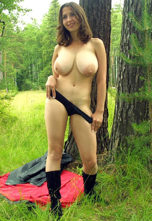 Tit wife outdoors big nude