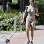 Amanda Cerny shows off her bikini body while walking her dog – xxxBabez