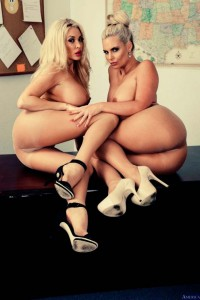 Phoenix Marie & Summer Brielle « Infernal