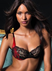 Lais, red, black, lace, and design love. | Hot Models