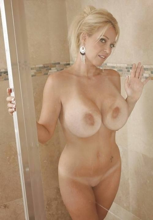 Sex images | pure mature in the shower wash her sexy body,natural ...