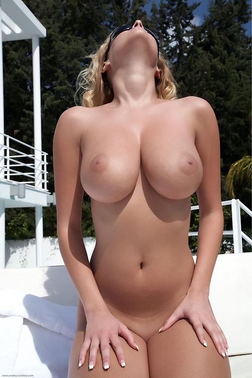 sexy pure mature with sexy body ,big natural tits and delicious pussy