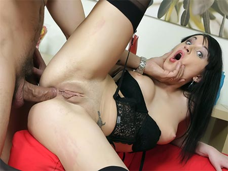 Dark-haired bitch anal penetration