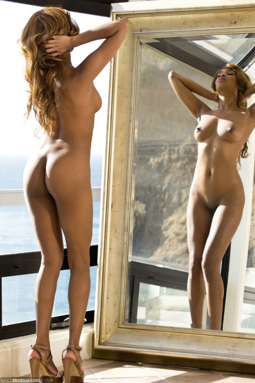 Gorgeous Florence Dolce gets naked – DaChicky