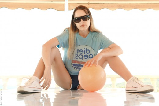 Teen plays with a ball and pussy – DaChicky