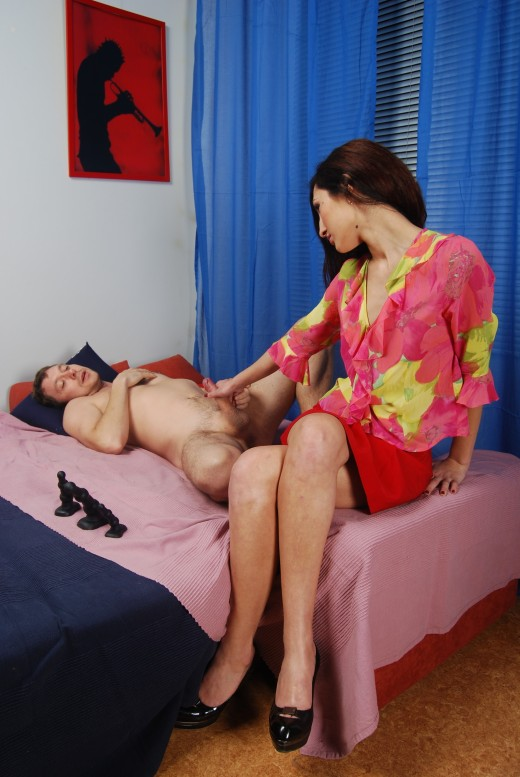 Dude was fucked in ass by his wife