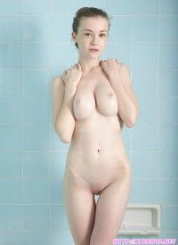 Emily Bloom – Cute Busty Girl