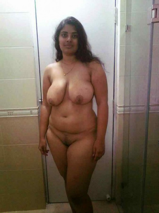Indian fat aunty big doodhwali opening nude shaved pussy photo | New Image XxX