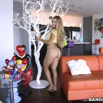 Nicole Aniston juicy ass posing