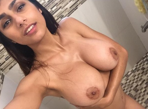 Sex Images  Big Boobs Sexy Porn Star Mia Khalifa Boobs -4931