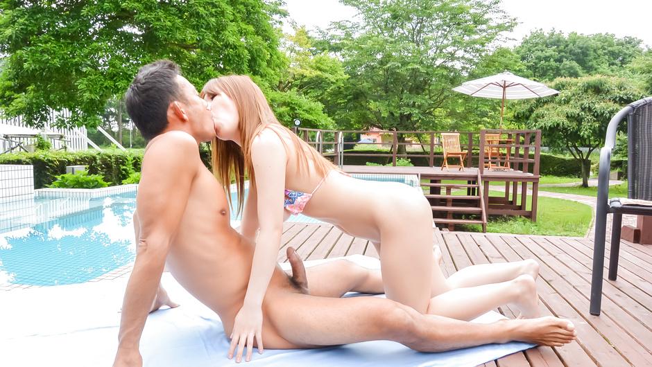Japanese creampie in outdoor
