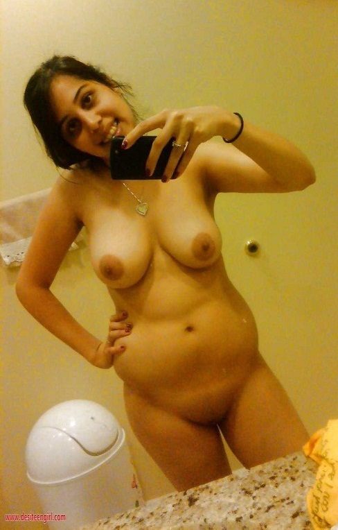 Moti Wife Ankitha Ki Big Boobs And Pussy Showing Nangi selfie