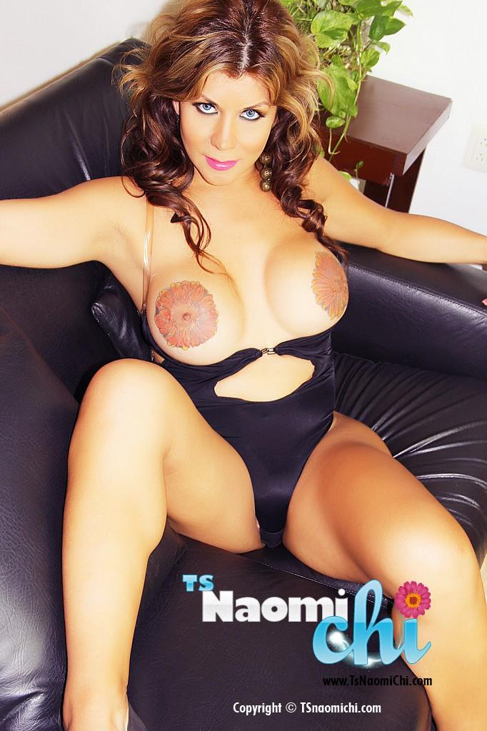 Naomi Chi's big round tits!