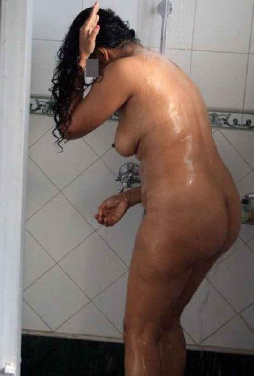 Desi nangi bhabhi ki full nude bathing sexy porn hd photo | Desi XxX Blog