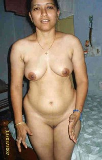 Hot Indian nangi bhabhi full nude body exposed in bedroom | Desi XxX Blog