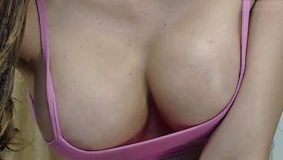 The girls of Leon Girls: She must be drunk on live webcam