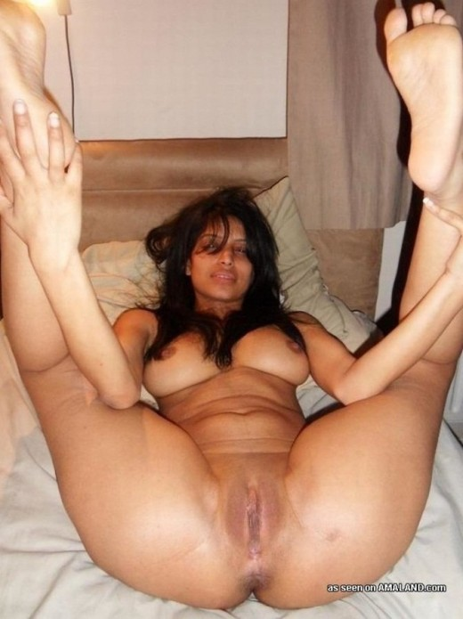 Indian Slim Horny Wife Taking Toy In Her Shaved Chuth
