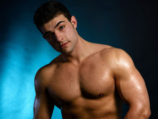 The boys of Leon Boys: A muscle flexer