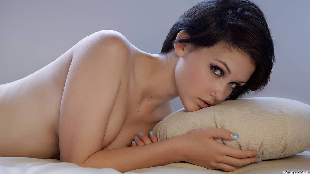 Naked girls wallpapers.