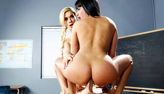 Oral and anal hd canadian threesome.