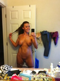 hot naked mom pics – more photos of her on pussycamhd.com