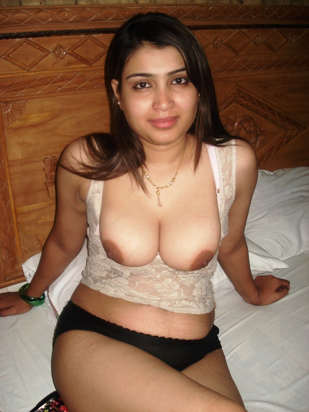 Matchless Malayalam couples without bra and panty images were visited