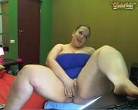 SSBBW live sex cam model masturbates online