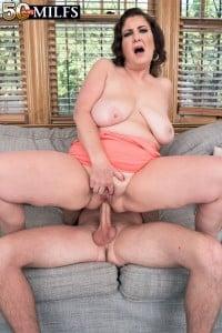busty mature BBW porn star Josie Ray