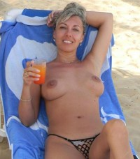 Hot mom toples on the beach