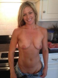 Look at this hot MILF babe
