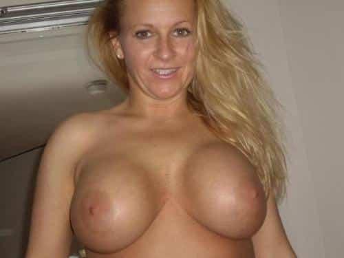 Amazing boobs hot milf