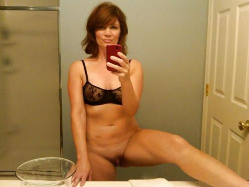 Awesome Milf Bathroom Nude Selfie