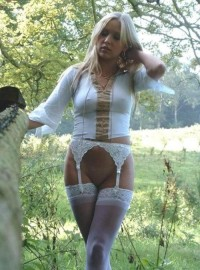 British amateur milf outdoor sexy poses