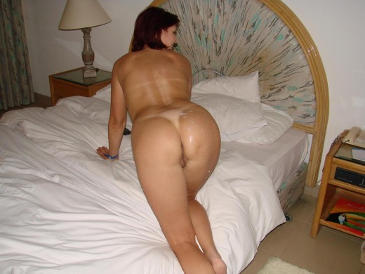 Big mature ass looking so sexy on nude amateur porn pic