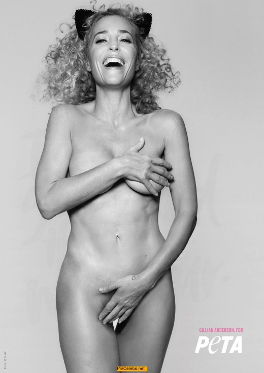 Gillian Anderson nude for PETA cover her breasts and pussy
