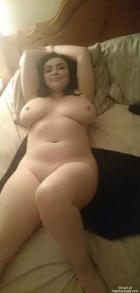 Horny 19 yrs old chick photo