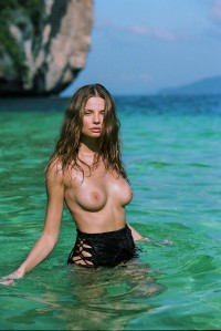 Magdalena Frackowiak sexy and topless in nature
